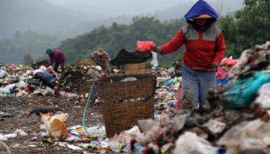Hamparan sampah di Tempat Pembuangan Akhir (TPA) Jatibarang, Semarang pada 27 Februari 2016. Kredit foto: TEMPO/Budi Purwanto